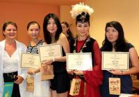 Гостите получиха от УХТ грамоти, удостоверяващи успешното приключване на практиката им.  Снимка УХТ - Пловдив