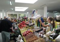 Новото тържище е модерно, просторно и чисто, за радост на търговци и купувачи. Снимка Aspekti.info