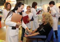 Доброволци на Българския червен кръст ще правят измервания на жизнени показатели по време на изложбата.  Снимка Международен панаир