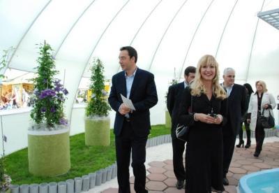 Кметът на Бургас Димитър Николов откри изложбата.