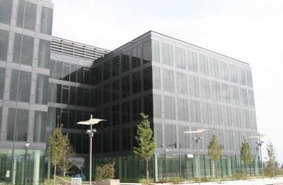 През 2010 година офис сграда от комплекса получи първия и единствен в България сертификат за екостроителство LEED. Новата технология е създадена специално за наемателите на офис и логистични площи в един от най-големите бизнес паркове в страната.