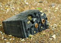 Акумулаторите и батериите са сред опасните отпадъци от бита. Снимка kukuriak.com