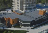Проектът на сградата е съобразен със сложната апаратура, която ще се помещава в нея.
