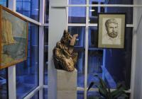 Изложбата е експонирана на втория етаж в сградата на старата община. Снимка Община Асеновград