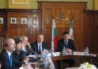 Гостите се срещнаха с кмета Иван Тотев. Снимка Aspekti.info