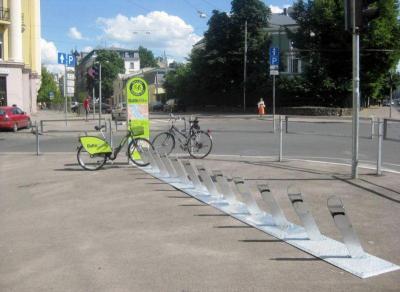 135 такива стоянки за велосипеди под наем ще има в Бургас след реализацията на проекта.  Снимка Община Бургас