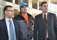 Вицепрезидентът Симеон Дянков и кметът на Пловдив Иван Тотев инспектираха строежа на обекта. Снимка Община Пловдив