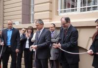 Министър Игнатов и ректорът на ПУ проф. Козлуджов прерязаха лентата. Снимка  Aspekti.info