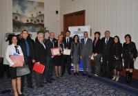 Договорите подписаха заместник-кметовете на Пловдив Розалин Петков и Георги Титюков, както и кметовете на шестте района. Снимка Община Пловдив