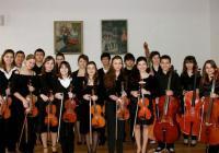 Младите надежди от оркестъра на НУМТИ ще бъдат дирижирани от академик Васил Казанджиев.