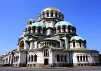 Величественият храм-паметник е строен в продължение на 8 години. Снимка nasamnatam.com