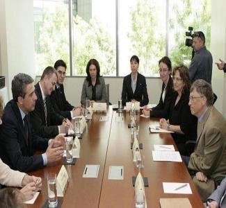 Гейтс и Плевнелиев разговаряха в офиса на фондацията на милиардера в Сиатъл.  Снимка Президентството