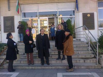 Индонезийските гости останаха видимо доволни от посещението си в Асеновград.  Снимка Община Асеновград