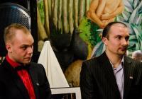 Двамата майстори на обектива ще дарят парите от продажбата на творбите си за изграждане на първия в България Център за възстановяване и работа с деца с онкохематологични заболявания.