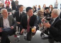 Н.Пр. Гуо Йеджоу бе специален гост на бала.