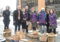 Дамският лайънс клуб осигури храни и стоки от първа необходимост.