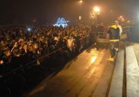 """Любимците на тийнейджърите пяха пред пълен площад. Снимка <a href=""""http://www.assenovgrad.com"""">Община Асеновград</a>"""