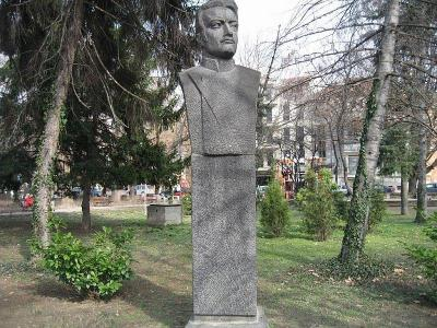 Тържеството ще е пред паметника на капитан Бураго, който пръв влиза в Пловдив със своите драгуни.  Снимка ruskipametnici.com