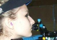 """Таня Звискова е една от топсъстезателките ни на пневматична пушка. Снимка """"Темпо нюз"""""""