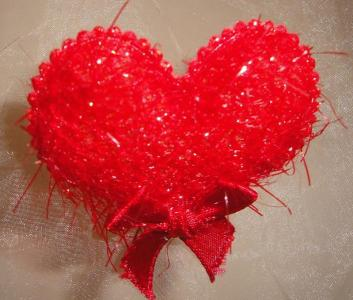 По традиция на 14 февруари влюбените си разменят сърца.  Снимка Aspekti.info