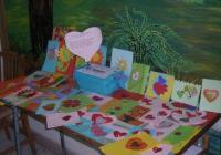 """Колко е важно да се обичаме и да си помагаме, припомнят с изложбата си децата от Дома в Брезово. Снимка <a href=""""http://cnst-brezovo.weebly.com"""">brezovo.weebly.com</a>"""