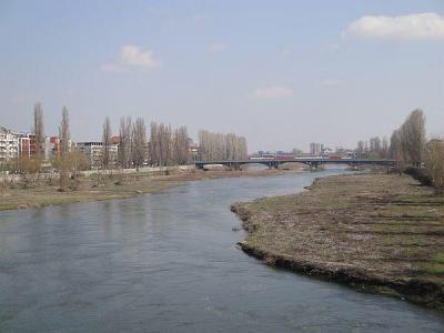 Експерти по водите заедно с ученици от различни градове ще направят мониторинг за оценка състоянието на водите на Марица.   Снимка ©Aspekti.info