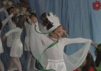 """10-те детски градини представиха много динамични и красиви изпълнения. Снимка Район """"Източен"""""""