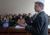 Във форума се включиха представители на почти всички читалища и библиотеки в общината, широката общественост, неправителствени организации, местната власт, граждани и медии. Снимка ОИЦ - Пловдив