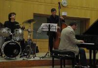 Триото от световна класа: Ангел Заберски - пиано, Борис Таслев - контрабас, и Стоян Янкулов - ударни, се представи и на пловдивска сцена. Снимка © Aspekti.info
