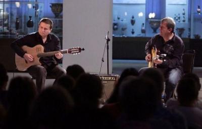 """Двамата китаристи представиха съвместната си програма на """"Аполония 2012"""" и в култовото """"Студио 5"""" в София."""