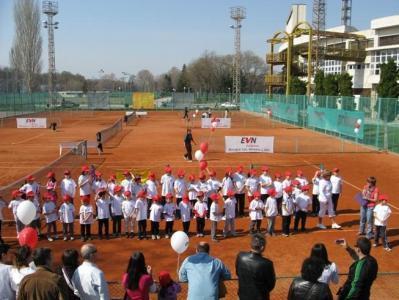 """Инициативата на """"ЕVN България"""" """"Първи стъпки в тениса"""" стартира през 2010 г.  Снимка Архив"""