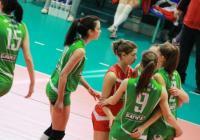 """Младите казанлъчанки играят с хъс за победа. Снимка <a href=""""http://www.kazanlak.com"""">www.kazanlak.com</a> (архив)"""