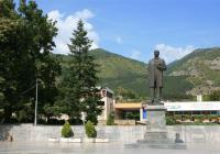 В града на Иван Вазов редом с неговия паметник ще има и скулптурна композиция на именитите му братя генерали. Снимка vazovmuseum.com