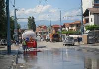 """Улиците """"Ландос"""" и """"Крайна"""" се мият с шампоан с морски аромат. Снимка ОП """"Чистота"""""""
