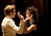 """Новата филмова версия по безсмъртния роман на Лев Толстой е адаптирана от носителя на награда """"Оскар"""" Том Стопард."""