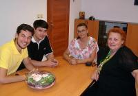 """Десислава Желязкова обсъди с гостите предстоящите дейности по организацията на националния проект. Снимка Район """"Западен"""""""
