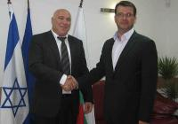 Нафтали Спитцер (вляво) и д-р Невен Енчев