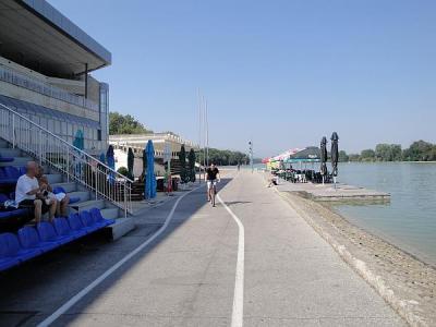 Съоръжението опасва целия Гребен канал.  Снимка © Aspekti.info