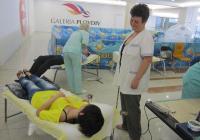 Членовете на медицинския екип останаха приятно изненадани от броя на желаещите да дарят кръв.