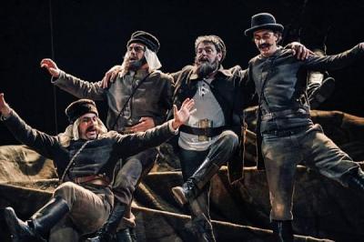 """17-ото издание на """"Сцената"""" започва с премиерата на """"Възвишение"""" в Дома на културата.  Снимка www.theatre.art.bg"""