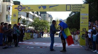 Победителят бе посрещнат на финала от кмета на Асеновград Емил Караиванов.  Снимка Община Асеновград