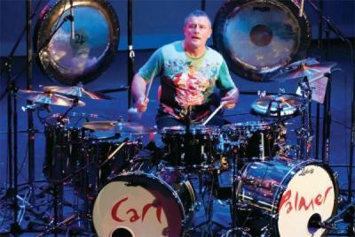 Карл Палмър идва в Пловдив с уникалния си комплект барабани, какъвто няма никъде в България.
