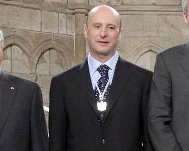 Антонио Фернандес Де Бухан и Фернандес e виден испански юрист, ръководител на Катедрата по Римско право в Автономния университет на Мадрид от 1983 г.