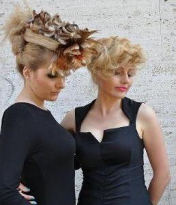 Дъщерята на Катя Трайкова - Елена (вляво), е и неин модел.