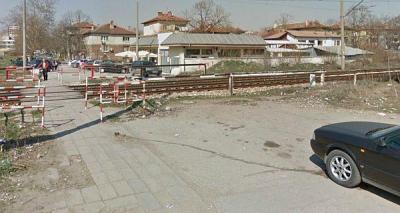 """В момента на мястото на бъдещия пътен възел """"Модър"""" - """"Царевец"""" има пешеходен прелез.   Снимка maps.google.com"""