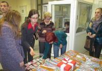 """По традиция и тази година кметът на район """"Централен"""", г-жа Райна Петрова и служителите от администрацията посрещнаха децата от дома """"Олга Скобелева"""", които бяха избработили сами красиви мартенички."""