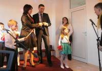 """Гост на празника беше кметът на район """"Западен"""" Димитър Колев, който поздрави малчуганите и техните учители с настъпването на националния празник Трети март и с новата придобивка театрален салон."""