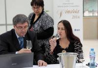 """Председателят на комисиите за вина д-р Димитър Гайдарски даде старта на дегустациите в международния конкурс, който ще определи  носителите на наградите на """"Винария 2014"""".Тя ще се проведе от 2 до 5 април в Международен панаир Пловдив."""