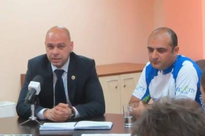 """Надяваме се да се получи истински спортен празник, на който очакваме да присъства много известен пловдивски спортист, сподели още кметът на """"Тракия"""" Костадин Димитров."""