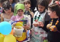 """Децата са убедени, че с общи усилия светът, в който живее, може да стане по-добър и по-чист. Снимка <a href=""""http://www.fotonovini.com"""">fotonovini.com</a>"""